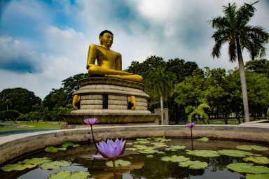 Buddha vihadarama puistossa