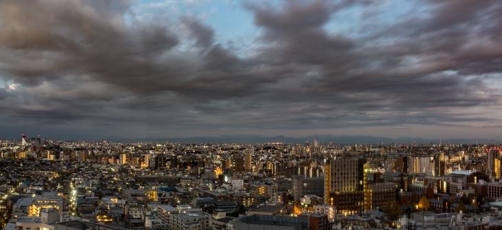 Tokio aamunkoitteessa Ikebukurossa