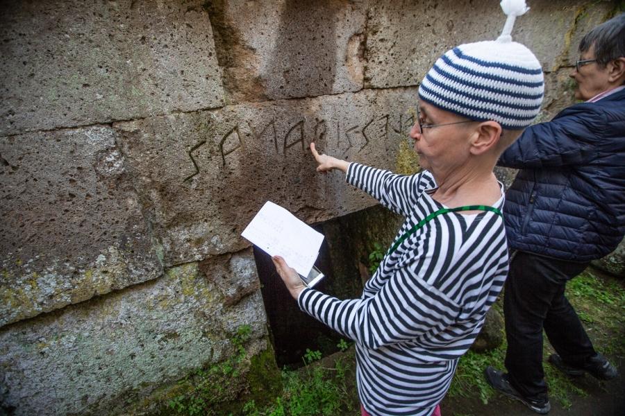 Etruskien jalanjäljillä
